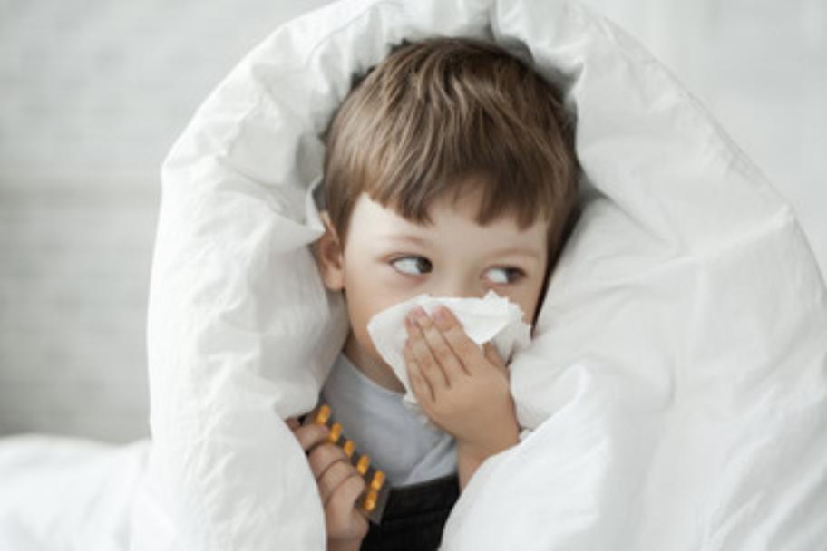 Malanni stagionali nei bambini: prevenzione e cura.